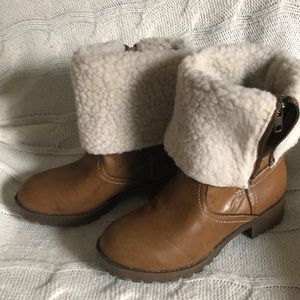 Kids Cherokee boots size 3